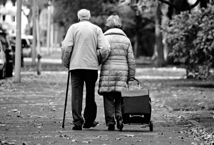 anziani stanchi