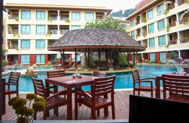 perchè hotel con piscina